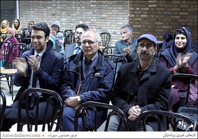 از زریر نجمی یکی از داوران نمایشگاه عکس زرتشتیان سپاسداری شد