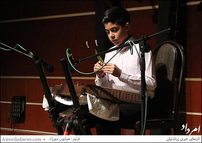 سپهر خدادادی نوازنده سنتور