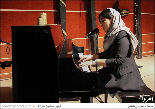 مهزاد خسرویانی نوازنده پیانو